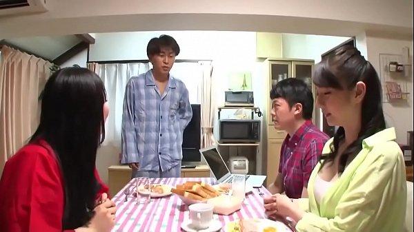 คลิปโป้ญี่ปุ่น จุดกลางแตดแม่บ้านไฮโซสาว นางแบบสุดฟินล้วงหอย